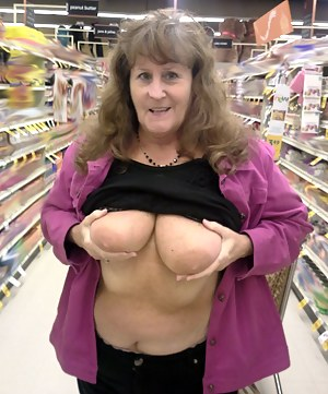 Big Tits Flashing Porn Pictures